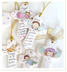 Le Vaisselier :: Pintura sobre Porcelanas :: Materiales y talleres Communion, Christening, Ideas Para, Pottery, Baby Shower, Christmas Ornaments, Holiday Decor, Party, Ceramics Ideas