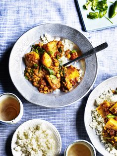 A superb potato curry recipe which blends the spud in with cauliflower and a rich variety of ingredients and spices including lentils, ginger and cumin.