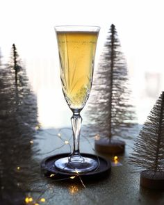 Midsummer Gin Dream - Taste and Tipple - Food & Lifestyle Blogger Holiday Puns, Christmas Cocktails, Holiday Drinks, Cinnamon Syrup, Vanilla Syrup, Chambord Liqueur, Amaretto Sour, Apple Brandy, Weird Holidays