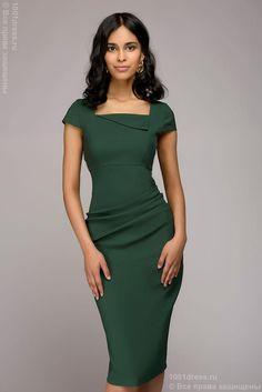 Платье-футляр зеленое с короткими рукавами 1001dress
