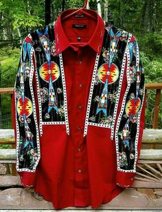 Love this shirt. Native American Clothing, Native American Regalia, Native American Beadwork, American Indians, American Art, Beads Clothes, Powwow Regalia, Native Wears, Ribbon Skirts