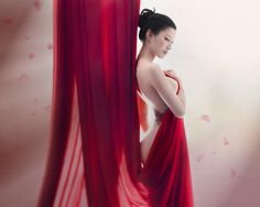 Photographer and visual engineer Benjamin Von Wong has become famous for his special effects photography. Get photography tips on his hyper-realistic style Surrealism Photography, Erotic Photography, White Photography, People Photography, Amazing Photography, Photography Ideas, Benjamin Von Wong, Bare Beauty, People Of Interest