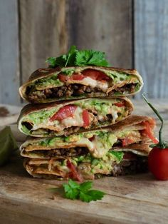 Crunch Wrap, Mexican Food Recipes, Ethnic Recipes, Ground Meat, Jambalaya, Snacks, Crunches, Tex Mex, Food Truck