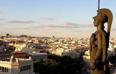 Madrid – eine Stadt voller Kontraste Einer der besten Ausblicke der Stadt      … bietet sich ein fantastischer Blick über die Gran Vía und die ganze Stadt.