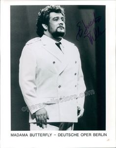 American tenor (b. 1953), signed photo, shown as Pinkerton in Madama Butterfly. Size is 8 x 10 inches.