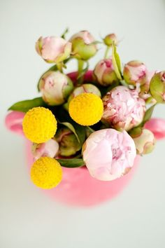Yellow, green and pink. // color inspiration #IBCloveCOLOR