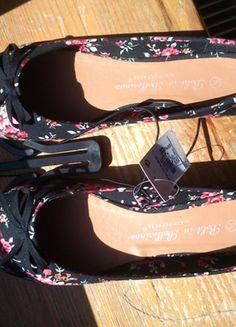 Kup mój przedmiot na #vintedpl http://www.vinted.pl/damskie-obuwie/balerinki/3093611-balerinki-floral-kwiatki-atmosphere-primark-38-nowe