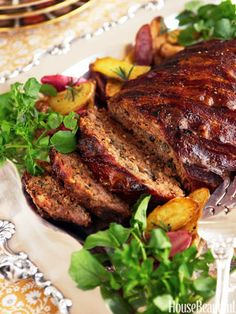 Billionaire's Meatloaf from Alex Hitz Billionaire's Meatloaf: It's beloved as comfort food, but this classic dish can hold its own at even the fanciest affairs. Best Meatloaf, Meatloaf Recipes, Meat Recipes, Dinner Recipes, Cooking Recipes, Rub Recipes, Amish Recipes, Meatball Recipes, Meat Loaf
