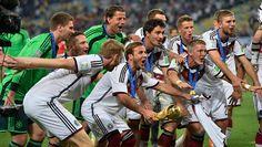 Spieler der Nationalmannschaft feiern im Stadion von Rio
