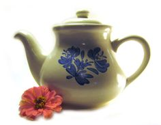 Pfaltzgraff Yorktowne Teapot, Five Cup Blue Gray Floral Stoneware Coffee Pot, 550Y, Made in USA 1970s