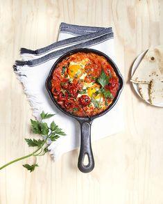 Shakshuka aux oeufs et tomates pour 4 personnes - Recettes Elle à Table