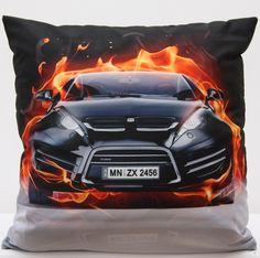 Czarne poszewki 3D z nowoczesnym autem w ogniu