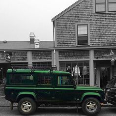 Land Rover Defender 110 Td5 Station Wagon SE- Brilliant Green.