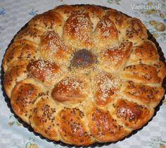 Lekvárový koláč zo škvarkového cesta (fotorecept) - recept | Varecha.sk Bread, Food, Basket, Brot, Essen, Baking, Meals, Breads, Buns