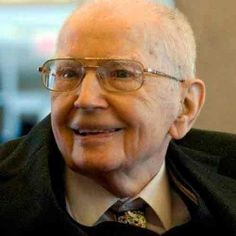 RONALD HARRY COASE (29/12/1910 — 02/09/2013)