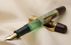 antique fountain pen | ... Vintage Fountain Pen from 1940s ! - Historical Sales - The Fountain