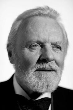 Philip Anthony Hopkins, CBE (Margam, Port Talbot, Gales, 31 de diciembre de 1937), es un actor británico de cine, teatro y televisión, es muy conocido por su interpretación del asesino en serie Dr. Hannibal Lecter. En abril del año 2000 adquirió, además, la ciudadanía estadounidense y es reconocido como unos de los mejores actores vivos.