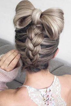 Popular Styles: Upside Down, Twisted Crown, and Milkmaid picture1 #FunStuff