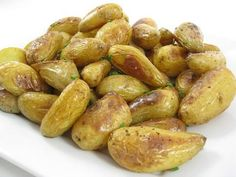 Roasted Fingerling Potatoes with Garlic and Lemon