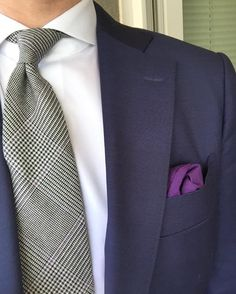 How to wear a suit? Gentleman Style, Fashion Dresses, Menswear, Vogue, Classy, Dress Styles, Suits, Fitness, Beautiful