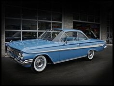 Bubble Top.  The 1961 Chevrolet Impala.  Not a bad effort by the bow tie to reign in the excess of the fifties and welcome the Kennedy era with restraint.