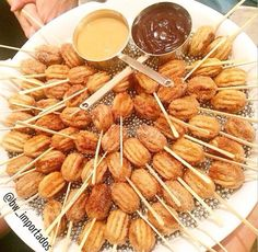 Diferente Mini Churros, Fondue, Party Planning, Almond, Carrots, Sweet, Food And Drink, Vegetables, Drinks