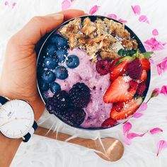 "the-peachy-pear: ""This blueberry + blackberry nicecream tasted like yoghurt (in the best way possible)  Topped with blueberries, strawberries, blackberries and crumbled up coconut cookies  Who..."