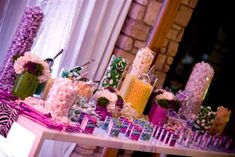 Candy tables - A great way of entertaining both adults and children! Just see how their eyes sparkle :)