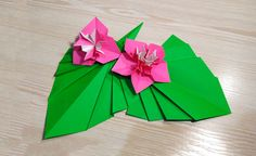 Origami leaf for decor. Easy way to decorate your room.