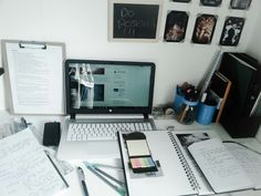 peachspo: quick snap of my desk this sunday morning