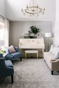 Classic Coastal Project Reveal: April & Davey's House Update Surprise! Small Sitting Rooms, Bedroom Sitting Room, Piano Living Rooms, Formal Living Rooms, Dining Room, Piano Room Decor, Parlor Room, Family Room Design, Room Interior