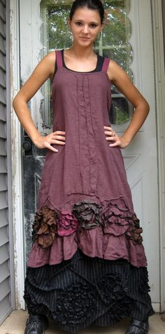 I need to make myself some outfits like this... or buy one from her... just love the look.. imagining linens... ahhhh....