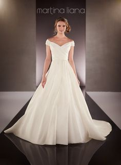 Wedding dress 712