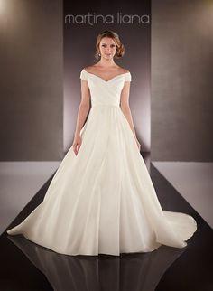 Wedding dress 712