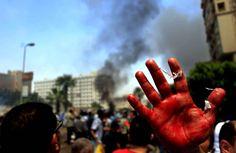 La mosquée Al-Azhar au Caire, la plus haute autorité sunnite dans le monde, s'est désolidarisée dans la journée de l'opération policière. L'organisation, qui avait pourtant soutenu la destitution de Morsi, affirme n'avoir «pas eu connaissance des méthodes utilisées pour disperser les manifestations».