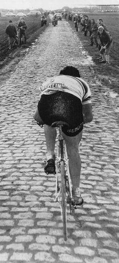 godsavethevelo: justcyclingshit: Moser, Paris-Roubaix '78 (-) Amazed