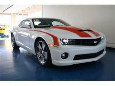 2010 CHEVY CAMARO SS!! I will have one of these one day!!