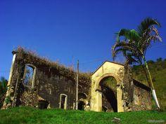 Ruina da Igreja Santa Rita da Posse