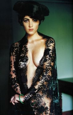 Chandra North by Mario Testino for Vogue Paris, November 1995 | Lace shawl by Christian Lacroix