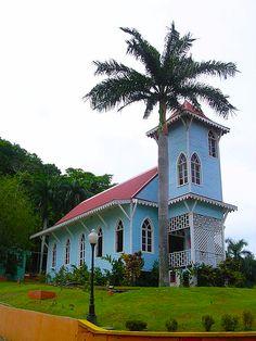 A local style church in Mi Pueblito. Drug Rehab in Central America www.serenityvista.com