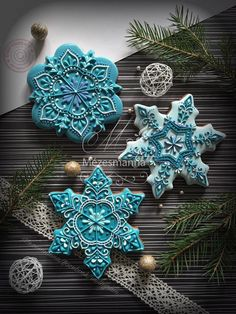 26 Beautiful Teal Christmas Decoration Ideas – Christmas Celebration – All about Christmas – The Best Christmas Cookies Fancy Cookies, Iced Cookies, Cute Cookies, Cupcake Cookies, Cookies Et Biscuits, Cookie Favors, Cookie Icing, Flower Cookies, Heart Cookies