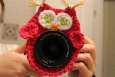 Great idea...These cute little camera buddies will make photographing kids a whole lot easier :) (Thank you, blogger 4Hankins Crochet!)