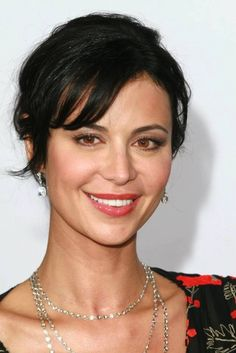 Lisa Bell, Catherine Bell, Stock Pictures, Cosplay, Beauty, Beautiful, Ms, Beauty Illustration