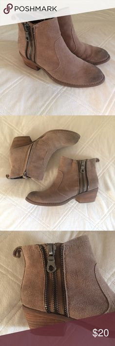 Guess Brand Zipper Suede Booties Perfect everyday ankle booties. Shade material with decorative zippers on the outside and functional inside zippers Guess Shoes Ankle Boots & Booties