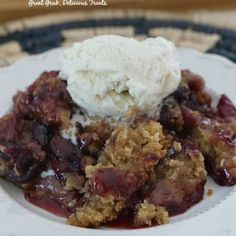 Easy Blueberry Topping - Great Grub, Delicious Treats Fresh Peach Cobbler, Strawberry Cobbler, Blackberry Cobbler, Cherry Cobbler, Cream Cheese Lemonade Pie, Homemade Cheeseburgers, Beef Recipes, Cooking Recipes, Dessert Recipes