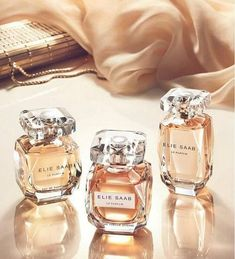 ELIE SAAB newest version Eau de Parfum Intense is A Dream of femininity. Everyone choose ELIE SAAB is to embrace a resplendent visio. Parfum Rose, Beautiful Perfume, Perfume Collection, Smell Good, Perfume Bottles, Musk Perfume, Antique Bottles, Vintage Bottles, Beauty Tips
