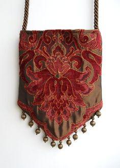 Gypsy Bag with Brass Beads Rose and Light Burgundy Chenille Hippie Bag Boho Bead Bag Cross Body Bag. Hippie Bags, Boho Bags, Fashion Bags, Fashion Accessories, Teen Fashion, Boho Fashion, Boho Makeup, Gypsy Bag, Potli Bags