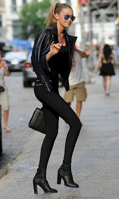 Gigi Hadid Looks Every Inch The Off-Duty Model, on her way to Taylor Swift's house party, in a pair of seriously tight black trousers, black heeled ankle boots and a black leather jacket for an all black outfit. Looks Street Style, Model Street Style, Looks Style, Street Style Edgy, Edgy Outfits, Mode Outfits, Fall Outfits, Fashion Outfits, Dinner Outfits