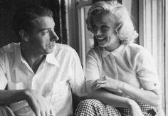 """Marilyn Monroe et Joe au Canada, pour les extérieurs du film """"River of no return"""".1953 by John VACHON"""