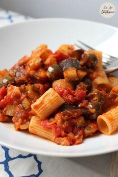 Pâtes aux aubergines et aux olives, une recette végétale aux saveurs du bassin méditerranéen - La Fée Stéphanie
